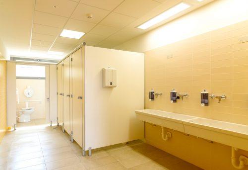「どうやってするの?」新入学の小学一年生が戸惑うトイレ事情