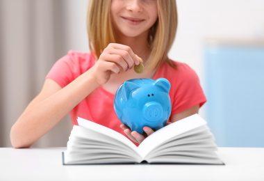 子どもに「電子マネー」どう教える? お金の感覚を身につけさせる方法