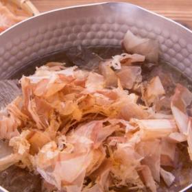 基本から学ぶ「ダシのとり方」煮干し・昆布・かつお節の時短テク