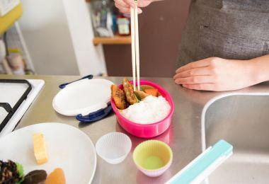 忙しい朝も楽ラク!料理研究家が教える「お弁当作りの時短テク」6つ