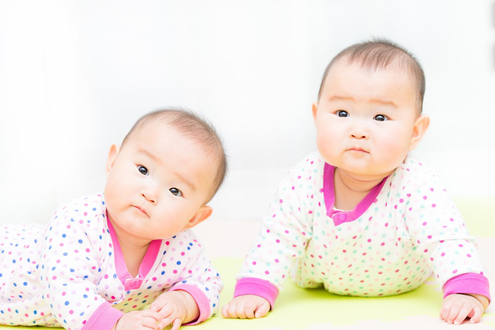 2人同時進行の育児を助けるグッズとは?【双子ちゃんがやって来た!vol.4】