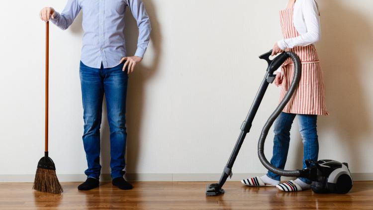 理想は50:50でも実態は…?「共働き夫婦の家事分担」2017年版