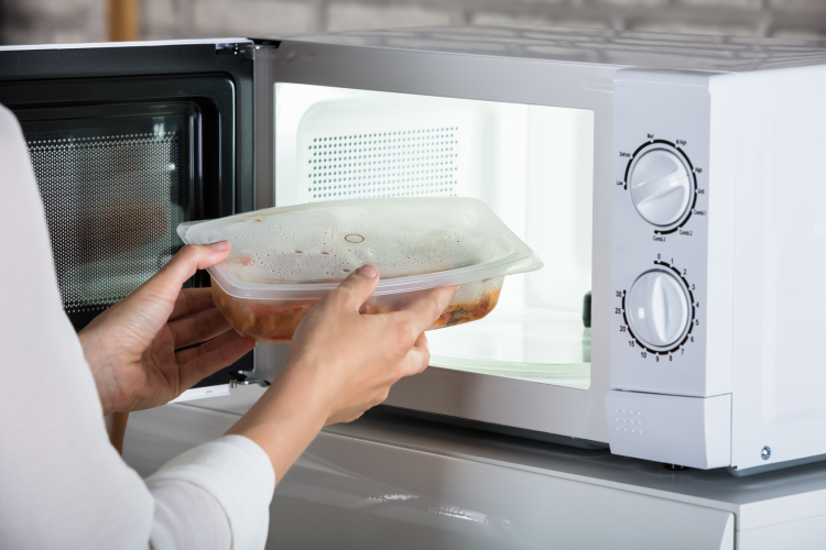 【節約の達人テク その4】料理も安く早く!「電子レンジの賢い節電テク」Q&A