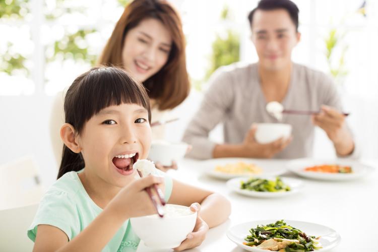 焦らなくて大丈夫!専門家が教える「小学生の食べ物の好き嫌い」と上手に付き合う方法