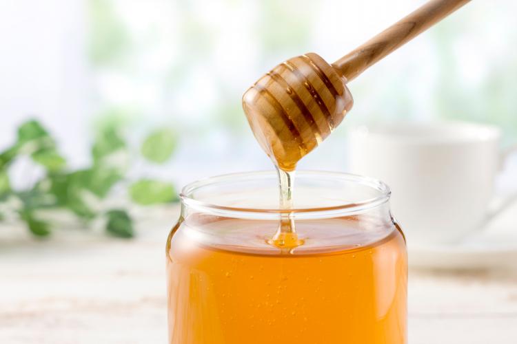 「ハチミツ」だけじゃない!乳幼児に食べさせてはいけない&注意が必要な食品