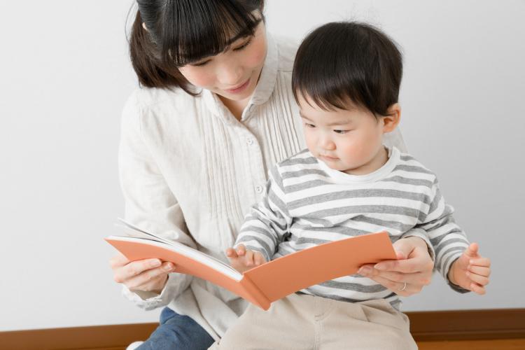 1〜2歳の子どもと!読むと真似っこしたくなる絵本【絵本ナビ編集長select 11月】