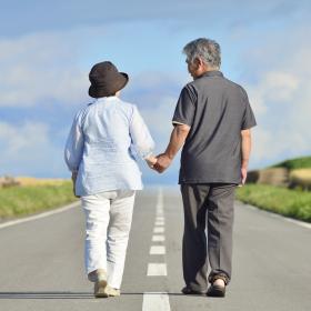 夫と一緒は…⁉「配偶者と同じお墓に入ること」男女の温度差に驚き