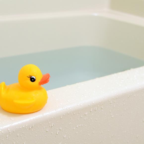 みんな何歳からNGと思う? 「娘とパパが一緒にお風呂」 ママの正直な意見は…