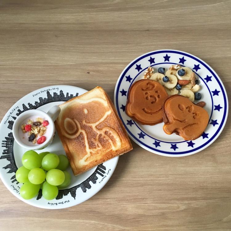 スヌーピーと朝食を!パーティーにもぴったり「PEANUTS」ホットサンド&ワッフルメーカー