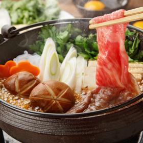 3位焼肉、2位すき焼き…正月休み「おせち以外で食べるもの」トップ10
