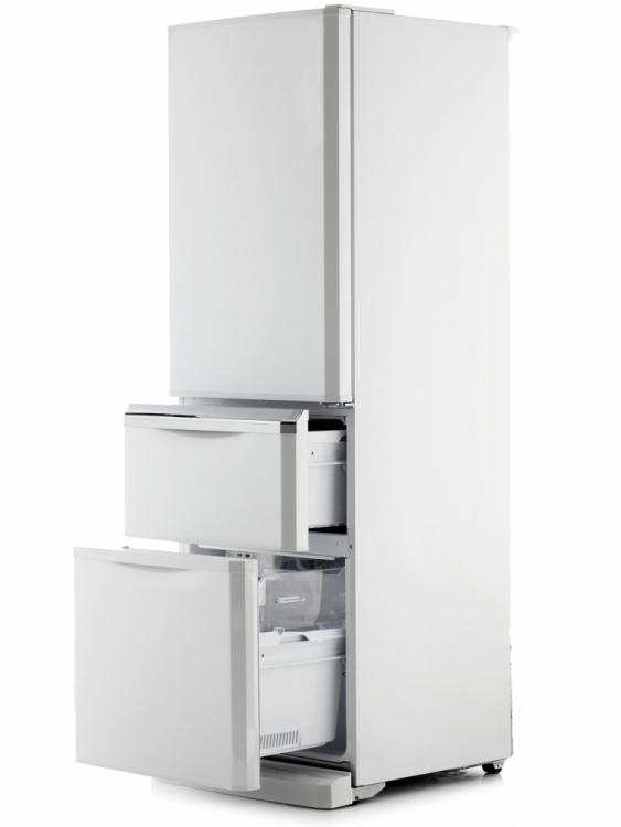 製氷機のスポンジ洗いはダメ!? 「冷蔵庫の故障の原因になる」NGな使い方