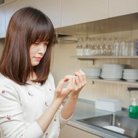 主婦の冬の悩み…ガサガサ「手あれ」の原因になるNG行為と予防法