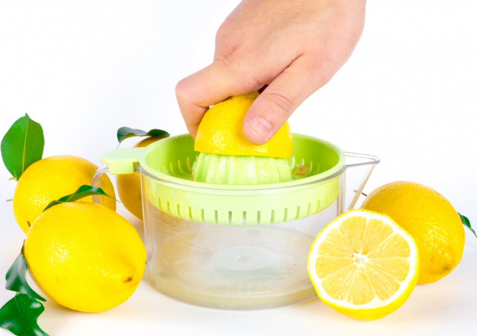 レモン 絞り方 裏ワザ