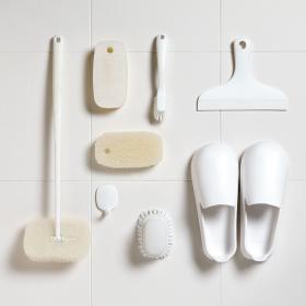 白色シンプル! マーナのバス清掃用品「きれいに暮らす。」シリーズ新発売