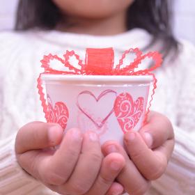 スタンプなら失敗なし!子どもと楽しめる「バレンタインラッピング」のコツ