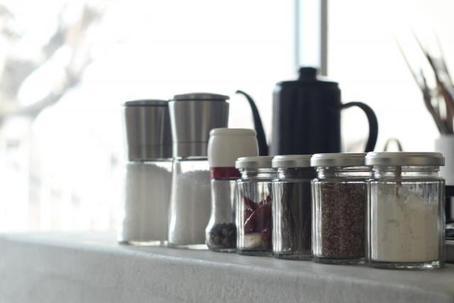 使えるテク満載!「調味料の収納」を工夫して快適キッチンを【kufura収納調査隊】vol.5