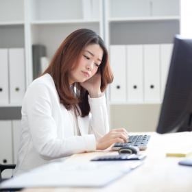 体の不調より悩ましい!「働く女性のストレス要因」1位は?解消法も探ります
