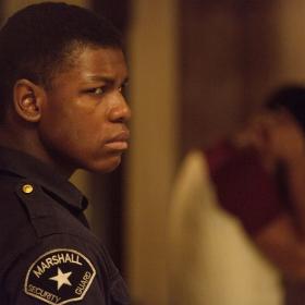 人種暴動に潜む闇…衝撃の実話「デトロイト」を今観たい理由【月イチ映画のススメ】