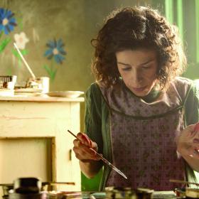 電気もない小さな家で暮らした幸せな夫婦…カナダで最も愛される画家「モード・ルイス」の人生【月イチ映画のススメ】