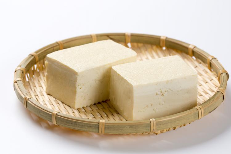知ればもっと便利!豆腐の長持ち保存方法…選び方のコツから冷凍保存の仕方まで