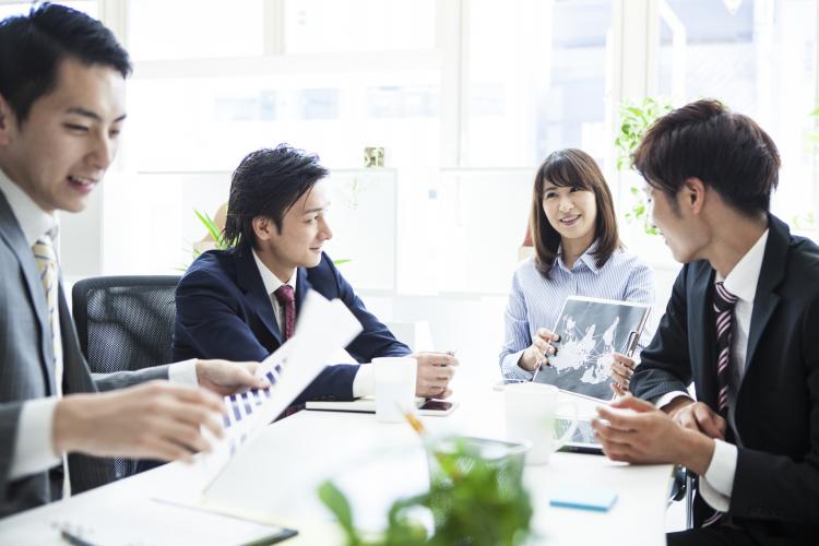 やりがちだけど要注意!会議ですべきでない6つの動作「ノンバーバル 仕草・態度編」
