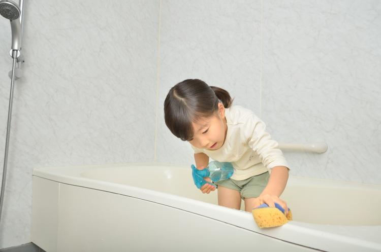 成長を実感!させてよかった「子どものお手伝い」3位お風呂掃除、2位洗濯を超えた1位は?