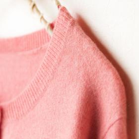 毎回洗う人は何割?タンスに仕舞うのはちょっと…「一度着たセーター問題」を調査