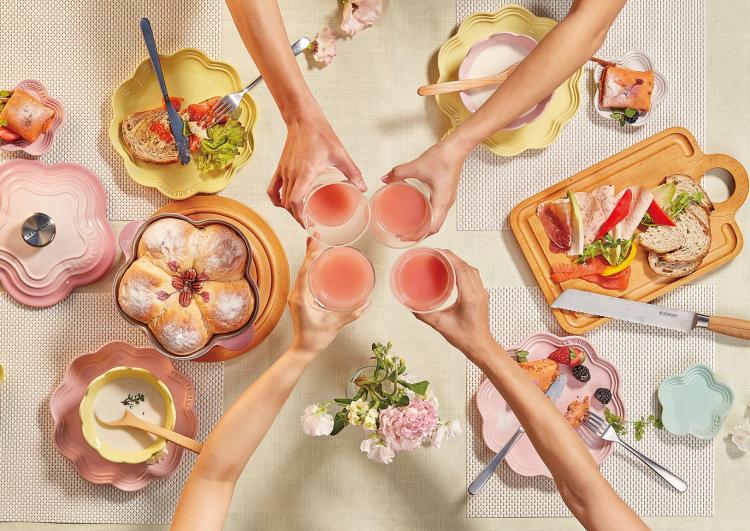 春めくブーケピンクが新登場!ル・クルーゼの2018年「フラワーコレクション」