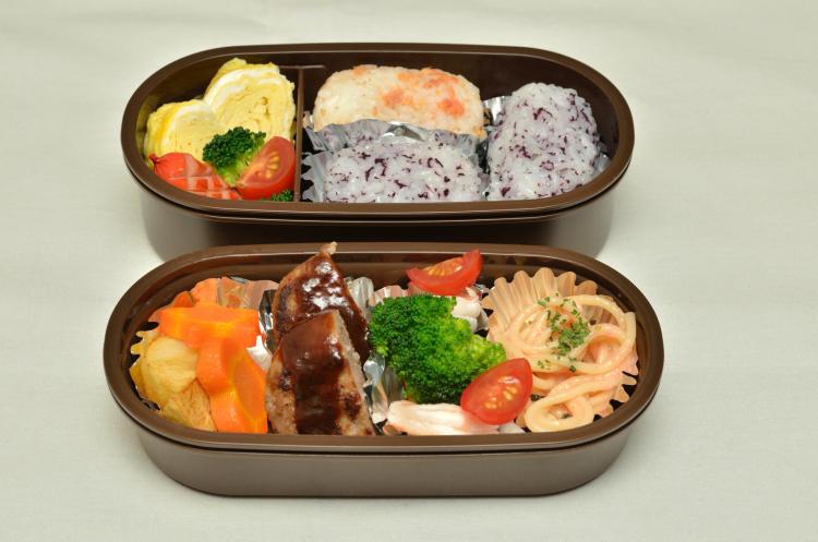 「お弁当によくいれる冷凍食品」ランキング…2位唐揚げ、では1位は?