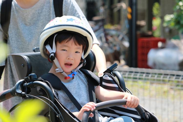 祖父母に「子ども乗せ自転車で送迎お願い」に待った!知っておきたいリスクとは…