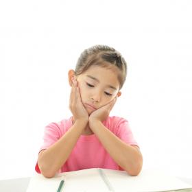 子どもが「習い事行きたくない」…どうする?先輩ママと専門家それぞれの対処法
