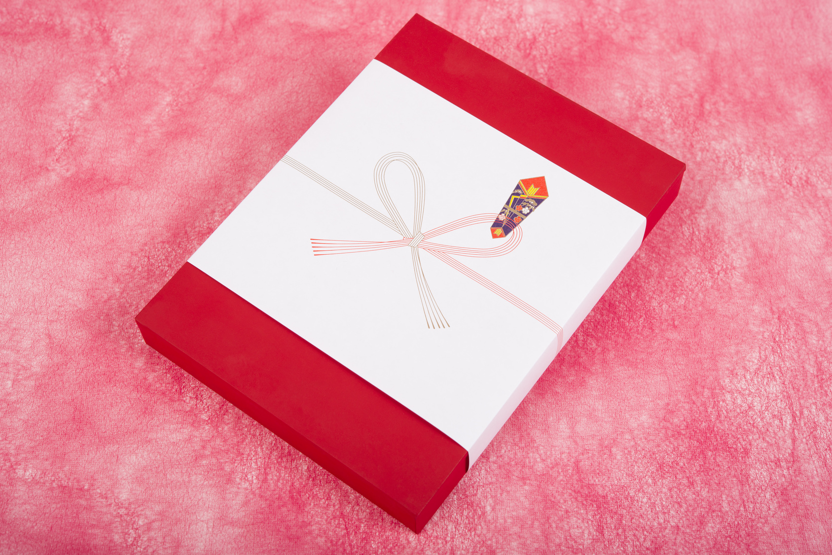 「入学祝いのお返し」のマナー。入園・入学祝いにお返しは必要?いつ何を贈る?