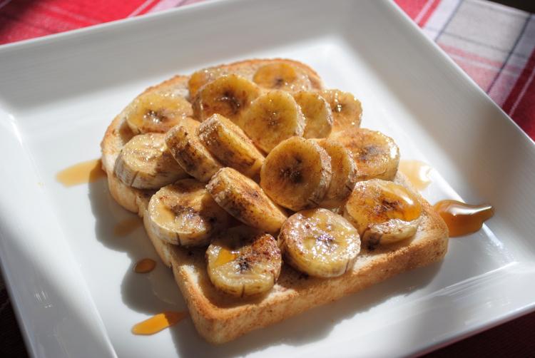 ホットバナナが美味すぎる!いつもとひと味違う「バナナ朝食レシピ」3選