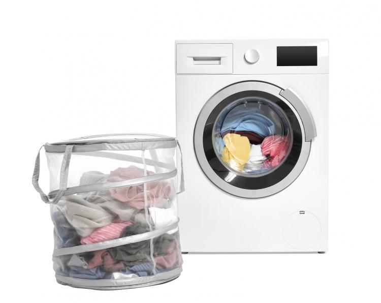 「洗濯の時短アイディア」主婦歴10年超の知恵!3位まとめ洗い、2位種類干し、1位は…