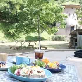 北欧風カフェ誕生で話題!ムーミンの世界あふれる「トーベ・ヤンソンあけぼの子どもの森公園」に行ってきた