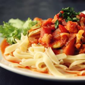 家族も唸る…夏野菜「トマト」の絶品レシピ! 2位パスタソースを超えた1位は?