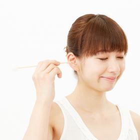 風呂上がりも気を付けて!耳鼻科医に聞いた「耳そうじ」の注意点あれこれ