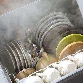 4人に1人は「食器洗い機」あるけど使わない!? 理由3位汚れ落ちに不安、1位は…