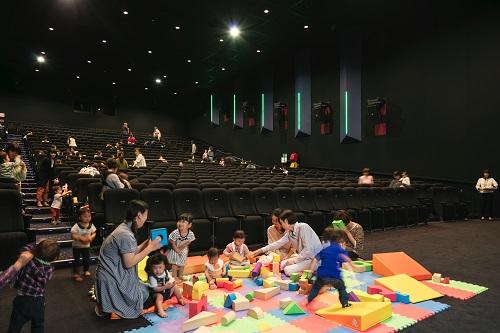 赤ちゃんと一緒でも安心!「子連れで映画を楽しめる」映画館特集