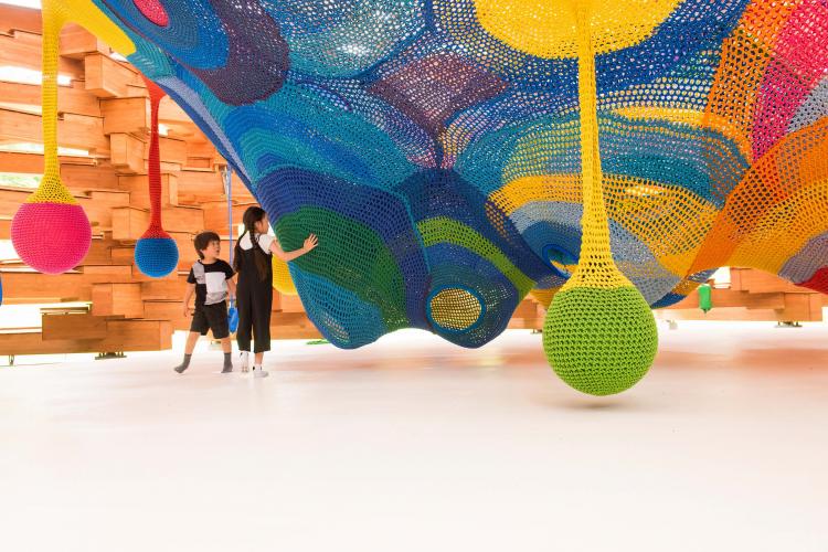 大きな立体作品で遊ぼ! 箱根の自然に囲まれた「彫刻の森美術館」【子どもと楽しむ美術館】vol.9