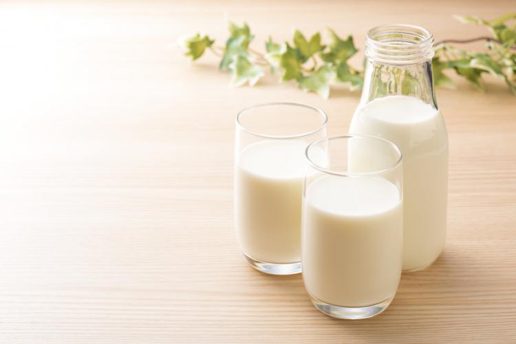 どうやって冷凍するの!? 牛乳の長持ち保存方法…冷蔵・冷凍保存・保存期間も