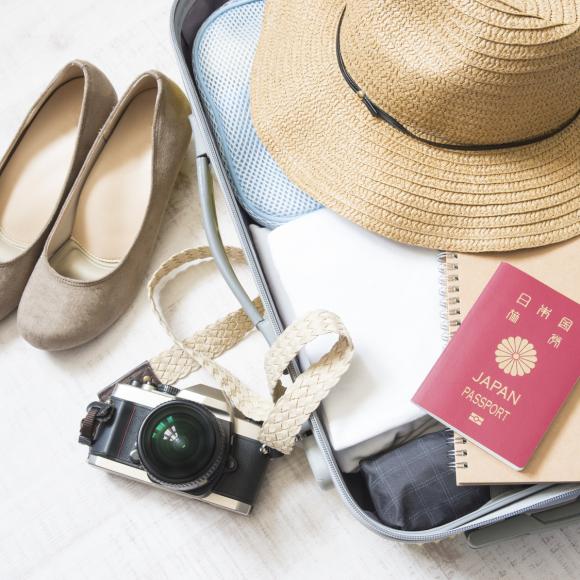 持ってると格段に便利! 女性233人に聞いた 「海外旅行で役に立ったアイテム」