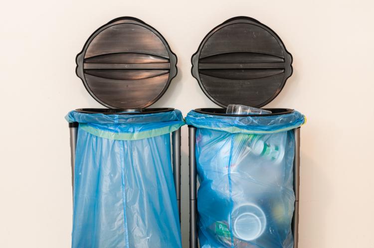 取り出しやすいアイディア満載!「ゴミ袋」の上手な収納術【kufura収納調査隊】vol.38