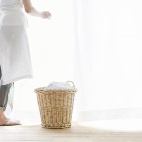 「カーテンを洗う頻度」2位の結果に衝撃!? 既婚女性の1位は「半年〜1年に1回」