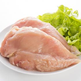 すぐ使わないなら早めに冷凍!鶏むね肉・ささみの長持ち保存方法…選び方や冷凍保存の仕方