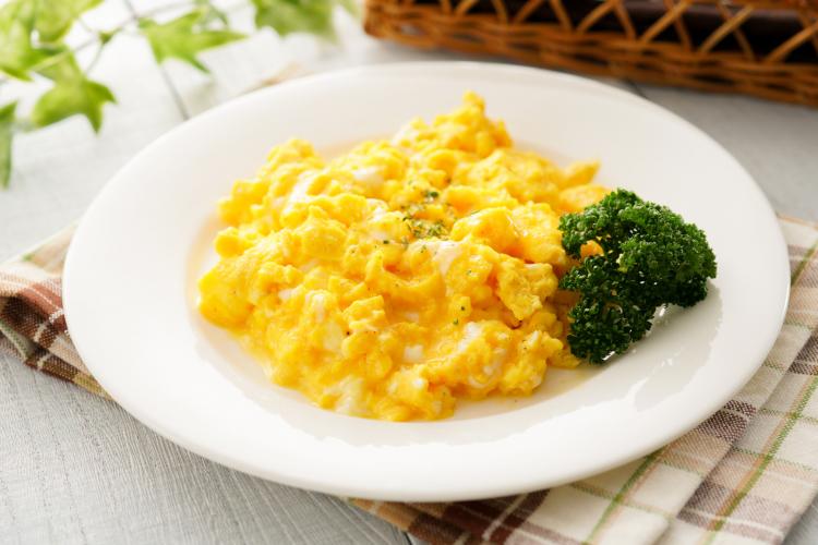 ゴーヤーのワタとチーズのスクランブルエッグ 作り方