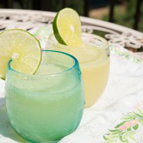 ジメジメ季節の「アイス×お酒」アレンジ!ワイン・日本酒・ウィスキー…味バリエは無限!