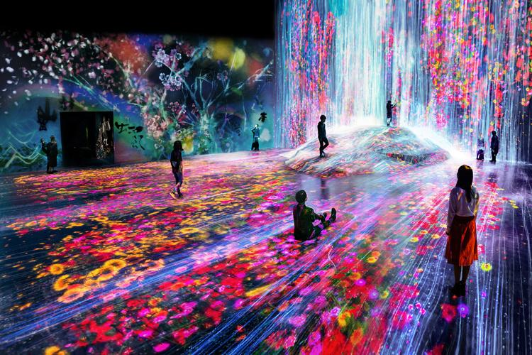 この夏、デジタルアートの最先端を体験してみない?「チームラボ」のミュージアム【子どもと楽しむ美術館】vol.10
