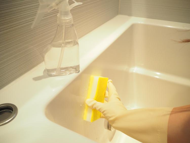 重曹を使った掃除「お風呂場」編…カビも排水口の臭いも重曹で解消しよう!