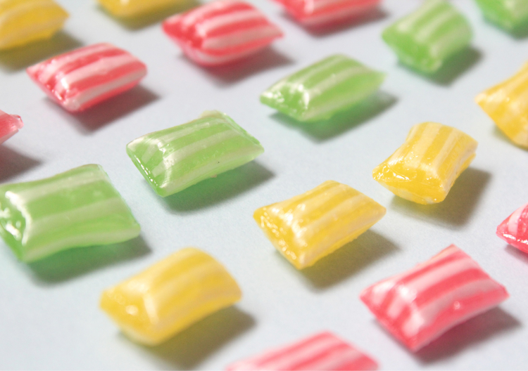 「パパブブレ」の塩飴はライチ・梅・グレープフルーツ3種ミックスのクールストライプ